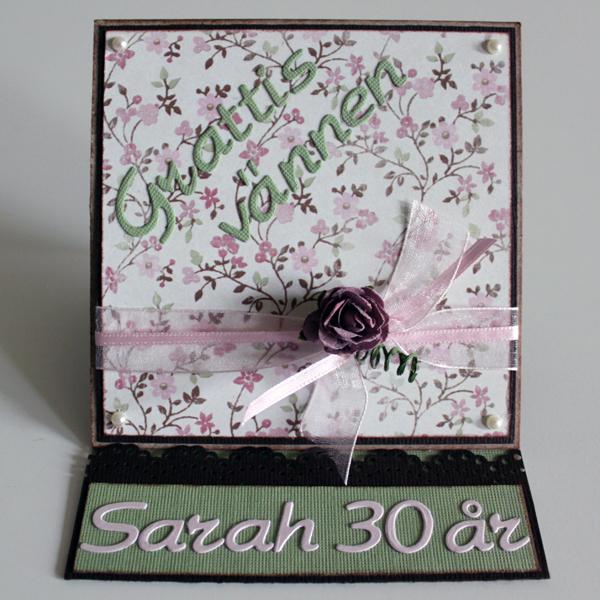 Grattiskort Sarah 30 år - kortet stående framifrån