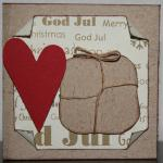 Julkort med rött hjärta och paket