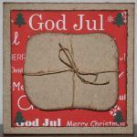 Julkort i rött med paket och små granar